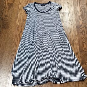 Dresses & Skirts - Madewell midi dress. S.